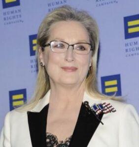 Meryl Streep rips into Trump again in emotional speech at HRC gala