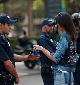 Pepsi pulls disastrous protest ad, formally apologizes to Kendall Jenner