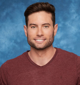 "The entire Internet comes for 'Bachelorette' d-bag after he makes transphobic ""joke"""