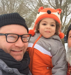 """United Airlines detained this gay dad for having his hands """"too close"""" to son's genitals"""