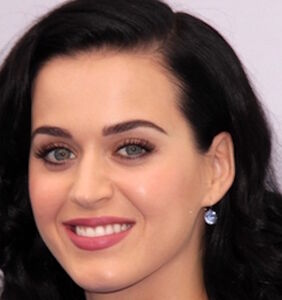 Katy Perry just made a joke comparing her black hair to Obama. Twitter isn't amused.