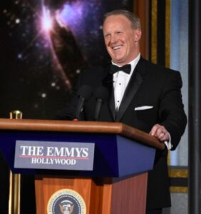 Twitter rips Sean Spicer's surprise Emmy cameo where he joked about lying to Americans