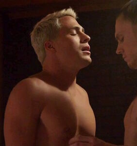 """Everyone's freaking out about that explicit """"AHS"""" sex scene between Colton Haynes and Evan Peters"""