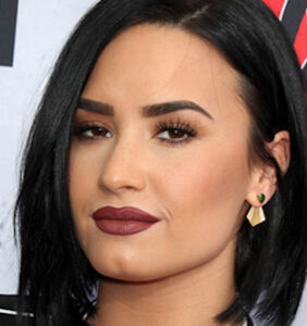 Demi Lovato reveals she's willing to date men and women