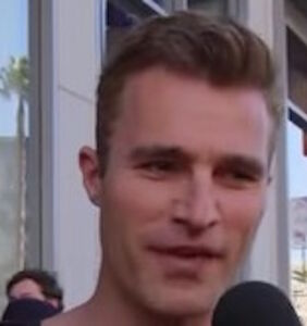 Jimmy Kimmel invites you to play: Guess which L.A. guy isn't wearing a shirt?