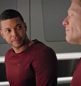 "Gay love got exceedinglyy real on ""Star Trek: Discovery"" this weekend"