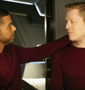 It's the first gay kiss in'Star Trek' history, y'all!