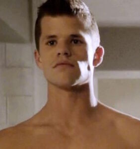 """""""Teen Wolf"""" star Charlie Carver shows off his full moon in Big Sur"""