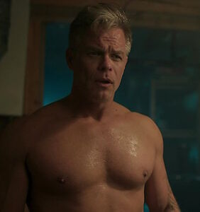 Riverdale's hot new daddy takes it off for finale — and fans are fainting