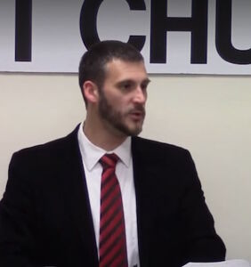 "Preacher teaches his congregation how to avoid ""foo-foo fruit loop"" gay waiters"