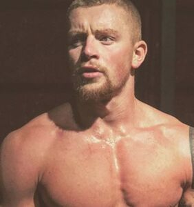 In super-revealing new Instagram pic, Olympic diver Adam Peaty gives fans EXACTLY what they want