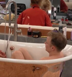 Celebrity Big Brother's gay/straight bromance already at 'touch each other in the bath' level