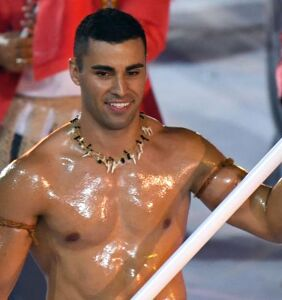 Pita Taufatofua (a.k.a. the Shirtless Tongan) is back at the Olympics and everyone's fainting