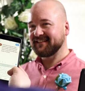 These guys met on Twitter, so guess where they got married?