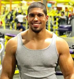 Pro wrestler Anthony Bowens says showering with other dudes made him fearful of coming out