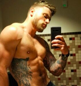 Don't call Gus Kenworthy a twink (unless you want him to post a shirtless selfie proving otherwise)
