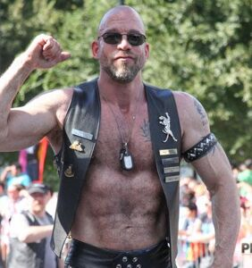 5 tips for gay men trying to age gracefully without becoming invisible