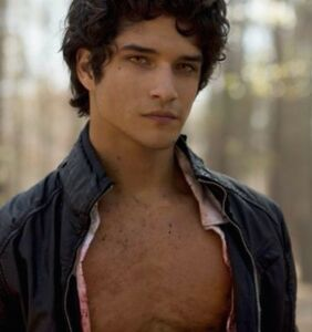 Teen Wolf's Tyler Posey goes gay