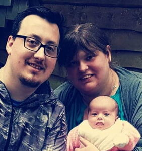 Woman who had baby with gay best friend using $3 syringe purchased online tells her story