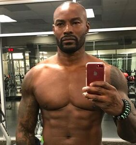 Tyson Beckford refutes gay rumors with some super thirsty shirtless pics