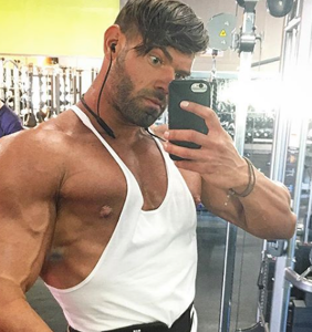 """I had to kill him"": Bodybuilder stabs roommate 16 times after he ""tried to make moves"" on him"