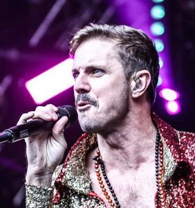 """Jake Shears admits: """"Wow, I've slept with a lot of people!"""""""