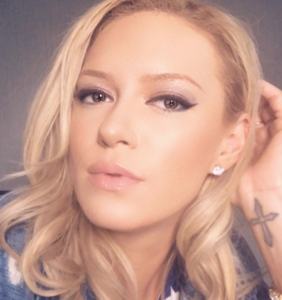 Former Pussycat Dolls singer goes on wild ant-trans rant; Twitter responds