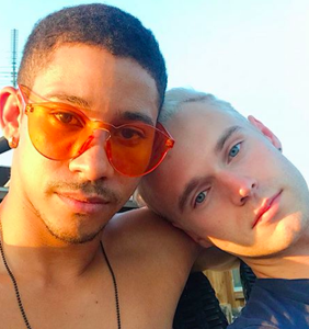 Keiynan Lonsdale shares video of NYE make out sesh with his sexy model boyfriend