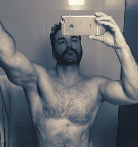 Telenovela star splits with girlfriend amid bisexual rumors and after x-rated video leak
