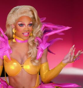 'RuPaul's Drag Race' season 11: Kahanna Montrese takes a tumble