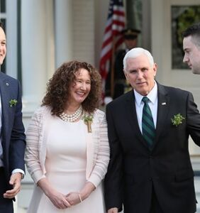 Mike Pence ate breakfast with two gay dudes and it was totally awkward