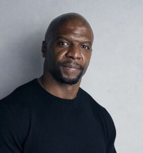 Terry Crews shows Kevin Hart how it's done, apologizes for homophobic remarks made earlier this week