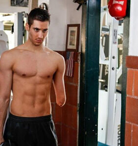 """Tommy Hilfiger model Julian Lucas on staying fit while """"having one hand"""""""