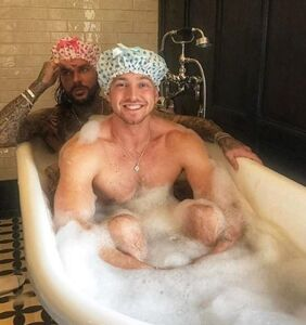 PHOTOS: These straight reality TV hunks spend an awful lot of time together… including in the tub
