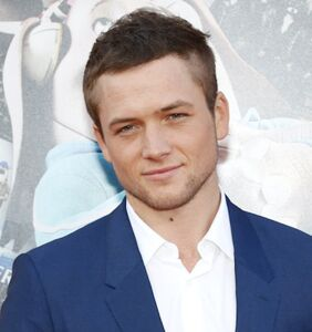 """Taron Egerton loves to hang out in gay clubs, feels """"at home"""""""