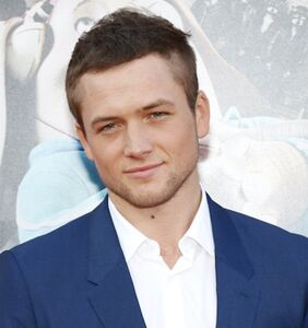 "Taron Egerton loves to hang out in gay clubs, feels ""at home"""