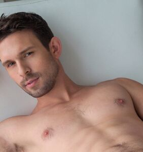 Gay adult performer Casey Jacks has died, and his peers suspect suicide