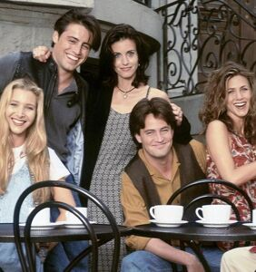 'Friends' actress doesn't think show was homophobic, despite copious amount of gay jokes