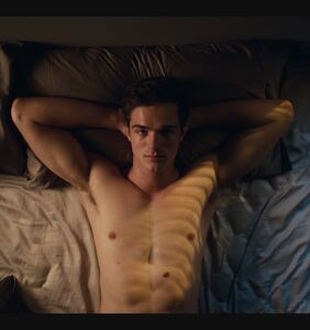 """Jacob Elordi on being """"surrounded by men"""" in THAT 'Euphoria' locker room scene"""