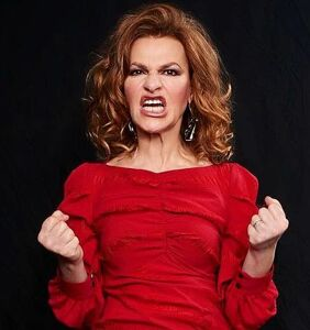 Sandra Bernhard is done talking about her relationship with Madonna, so stop asking about it!