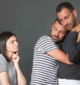 Woman with a hunch friend's husband is gay gets perfectly told off by advice columnist
