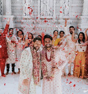 "People are gushing over these ""twinning grooms"" who were just married in a traditional Hindu ceremony"