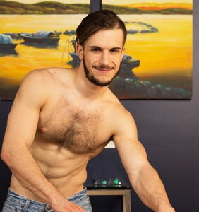 Gay adult star 'fired' from studio for not wanting to work with HIV-positive performers