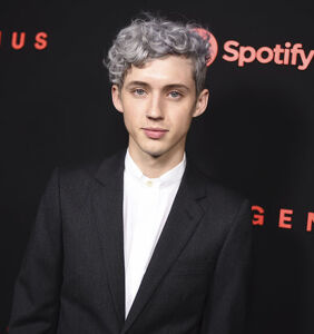 Troye Sivan asked if he's a 'top or bottom' in exceptionally awkward interview