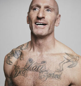 HIV positive rugby star Gareth Thomas graces cover of Men's Health