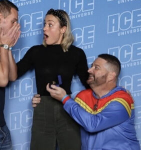 Brie Larson helps same-sex couple get engaged at comic con