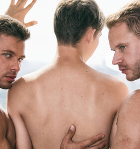 Dudes sound off on whether to sleep with one's roommate