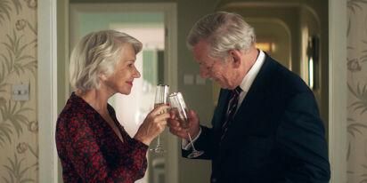 WATCH: 'The Good Liar' stars Ian McKellen & Helen Mirren enjoy some sick beats