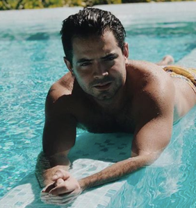 Mexican actor finds himself at the center of bisexual rumors after posting thirsty photo