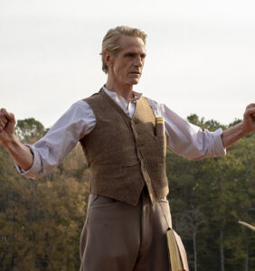 """Jeremy Irons apologizes for past remarks, calls marriage equality a """"human right"""""""